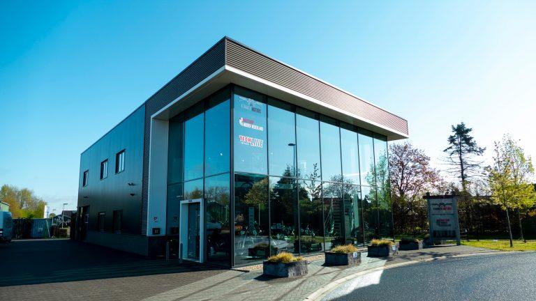 Bedrijfspand van Kommer Motors